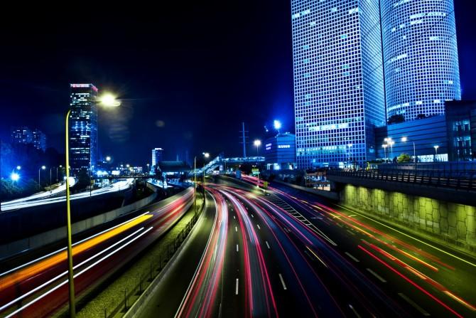 Фото: Ночной Тель Авив движется в безостановочном ритме