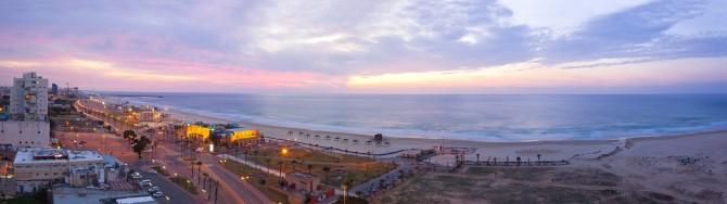 Фото: Набережная в Ашдоде на закате