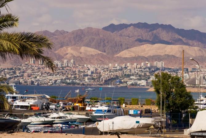 Фото: Эйлат - богатый и комфортабельный курорт Израиля на Красном море, побережье Эйлатского залива