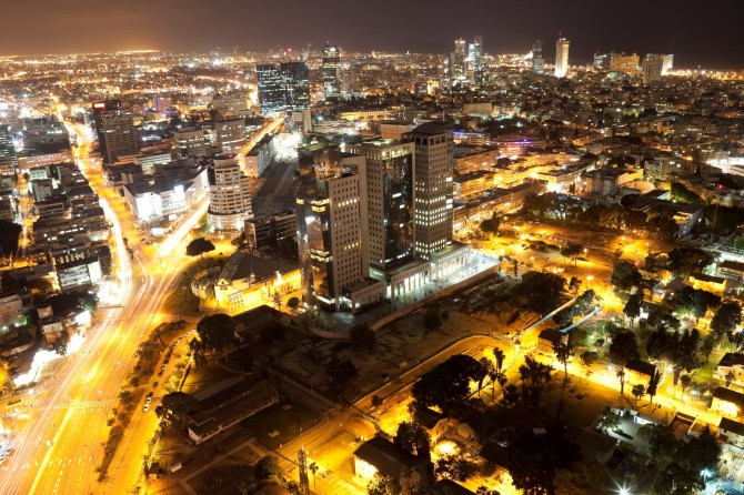 Фото: Вид на ночной, зимний Тель Авив