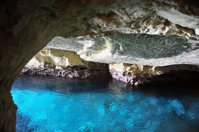 Фото: Гроты Рош ха Никра: скала и водная гладь