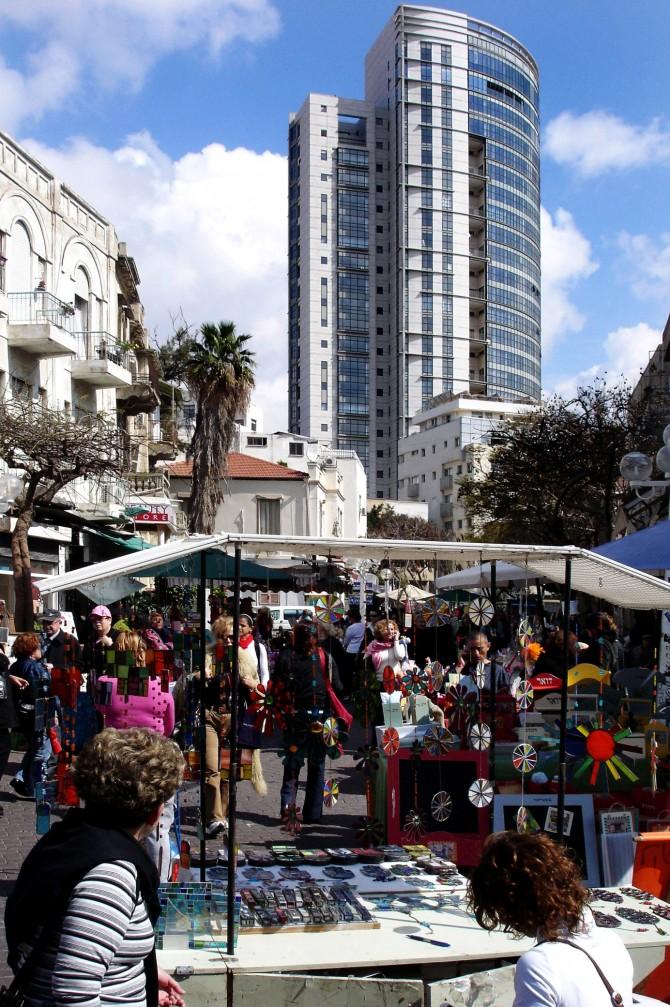 Фото: Большой блошиный рынок в Тель Авиве