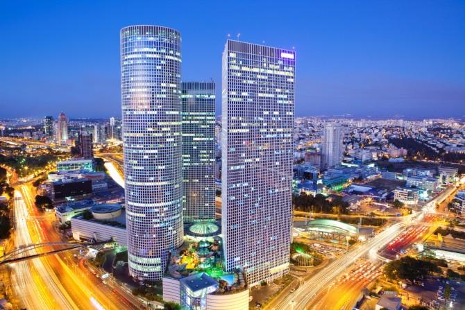 Фото: Вид на торговый центр Азриэли в Тель Авиве