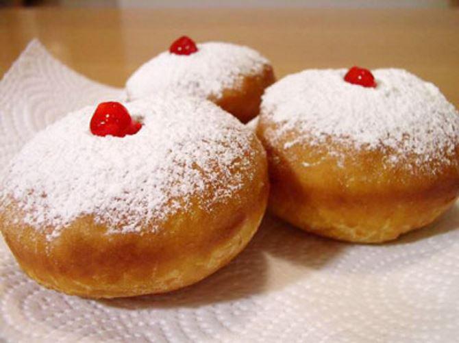 Фото: Пончики с вареньем для праздника