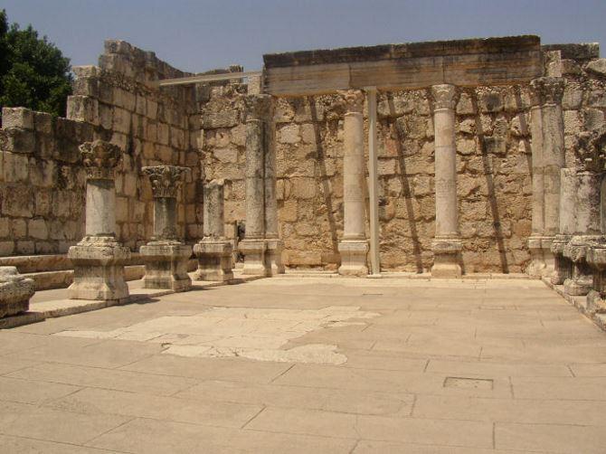 Фото: Развалины синагоги в которой проповедовал ИИсус